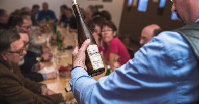Mehr als nur Spätburgunder – das Hochheimer Weinbaumuseum präsentiert Rotweine